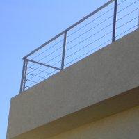 מעקה ברזל למרפסת בבית פרטי