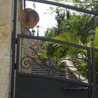 שער כניסה מעוצב מברזל