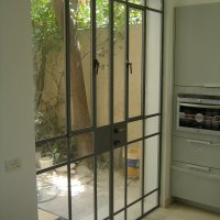 חלונות בלגיים בבית פרטי