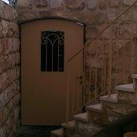 דלת ברזל בסגנון עתיק