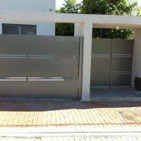 שער ברזל לחניה וכניסה לבית