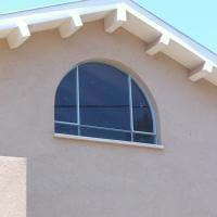 חלון בלגי עם קשת